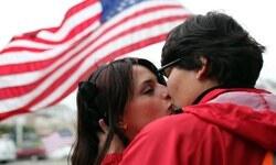 Eşcinsellere evlilik yasağı anayasaya aykırı bulundu