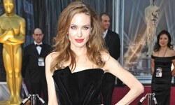 Jolie'den bacak cevabı: Bunlar boş işler