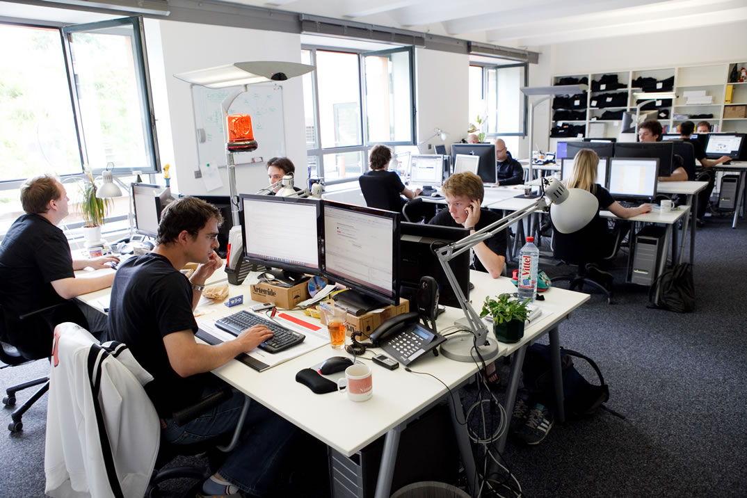 İşyerinde mutlaka arkadaş edinmeniz gereken 6 ofis çalışanı
