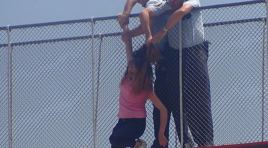 Köprüden atladı, polis havada böyle yakaladı