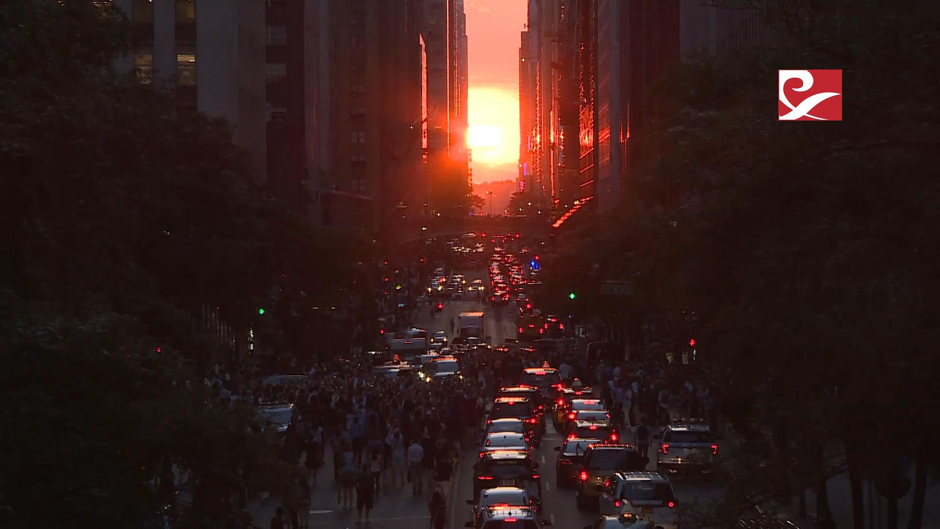 "New York'ta Fenomen gün batımı ""Manhattanhenge"""