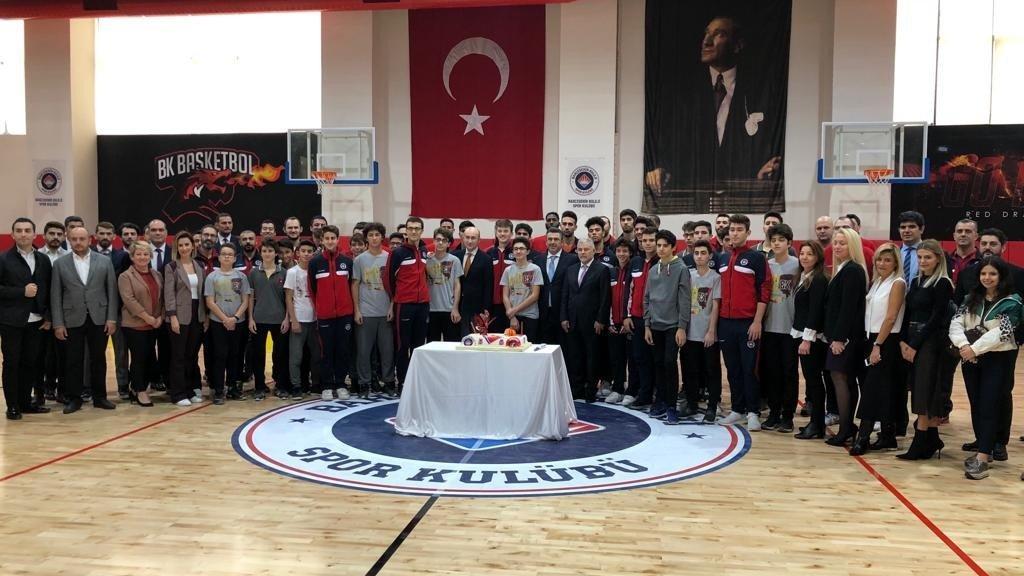 Bahçeşehir Koleji yeni spor salonun açılışını yaptı