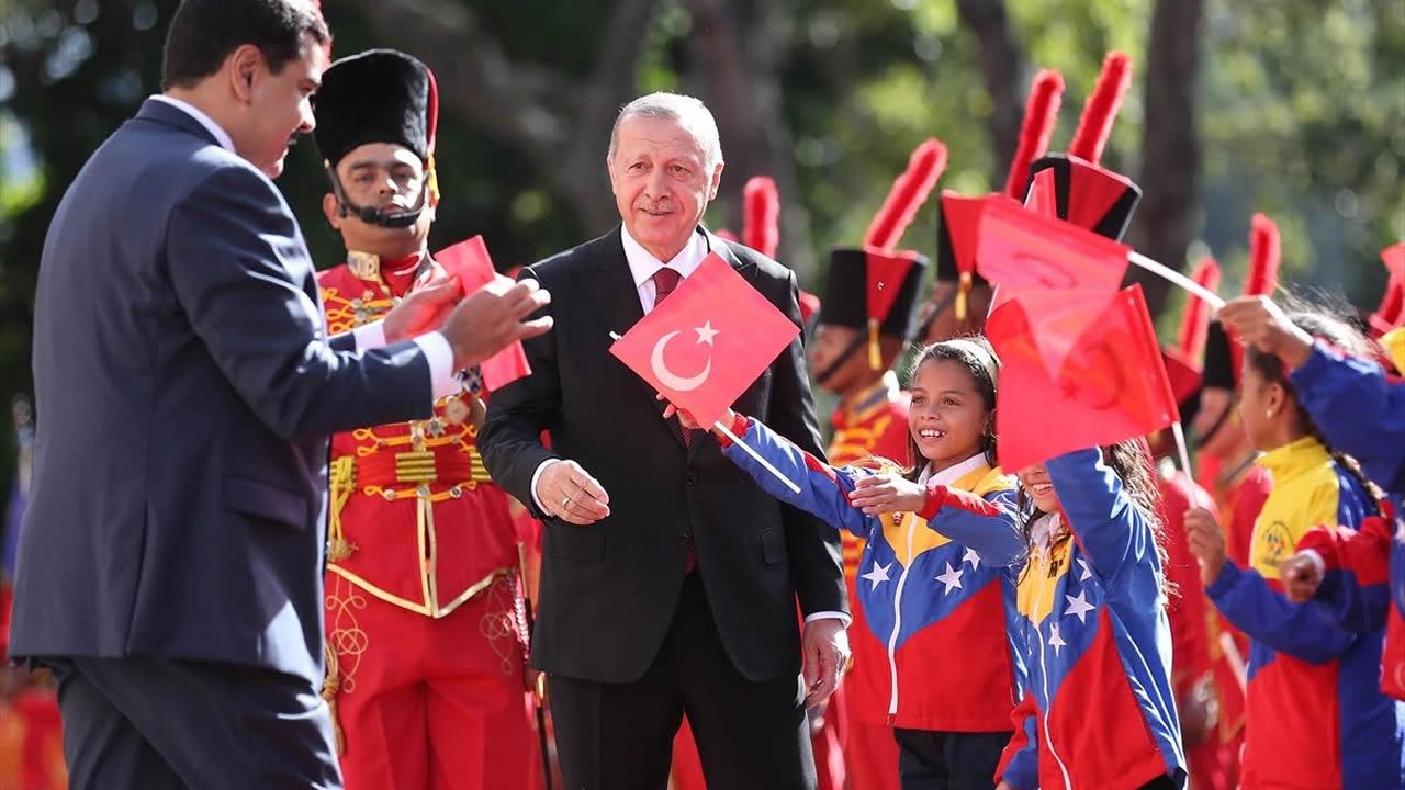 Cumhurbaşkanı Erdoğan'a Venezuela'da Üsküdar'a gider iken sürprizi