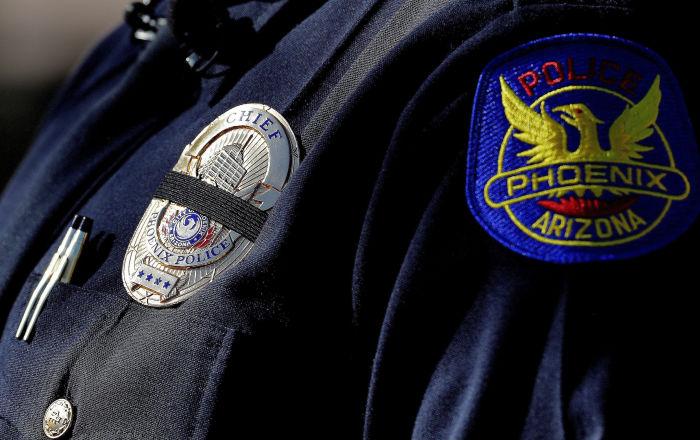 ABD'de polisin siyah aileyi vurmakla tehdit etmesi üzerine belediye başkanı özür diledi