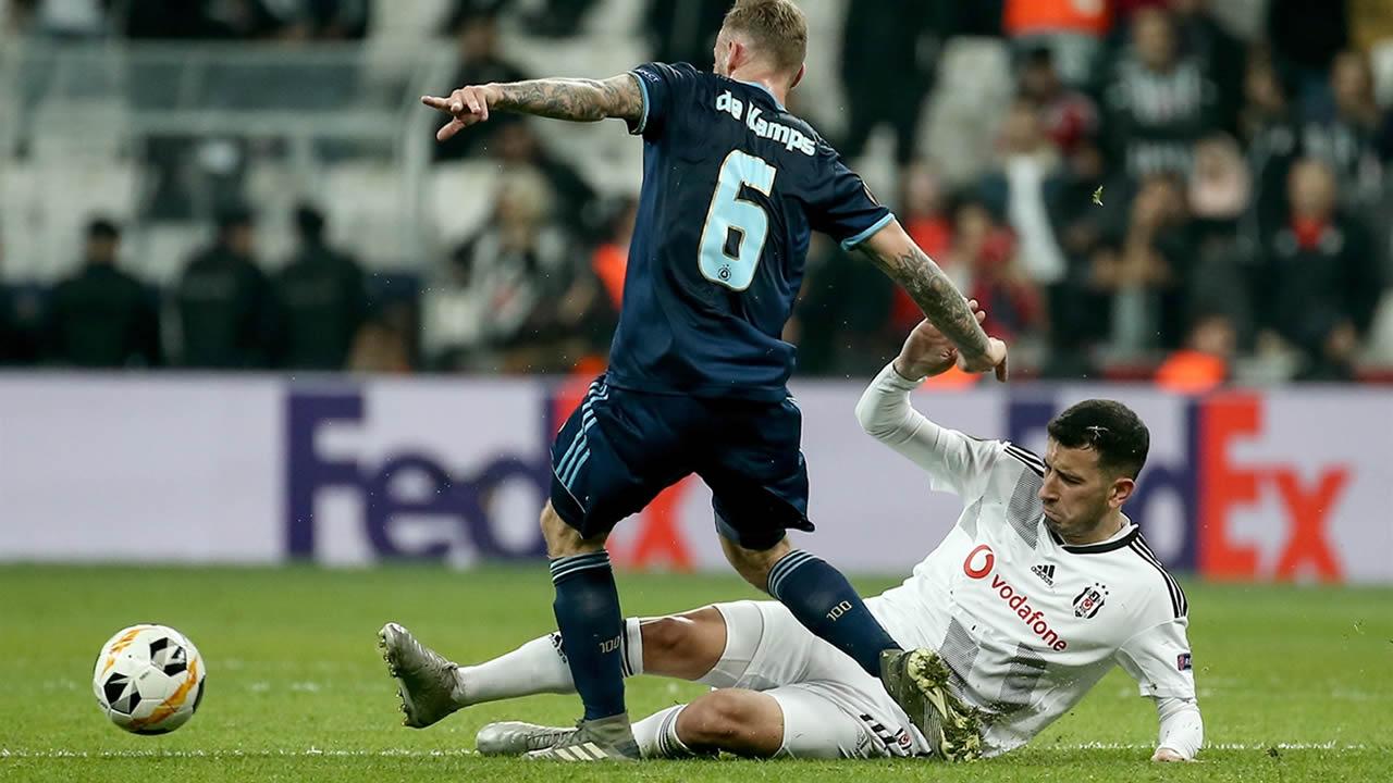Beşiktaş 2 – Slovan Bratislava 1 Maç Özeti İzle