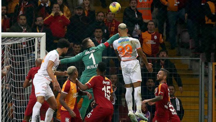 Galatasaray 1 - Alanyaspor 0 Maç Özeti İzle