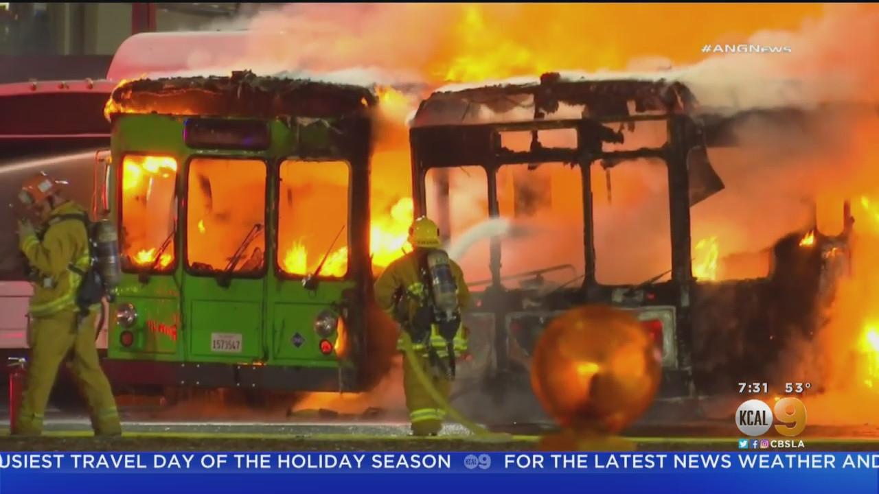 Los Angeles havalimanında korkutan yangın