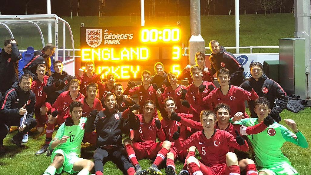 Türkiye 15 Yaş Altı Milli Futbol Takımı, hazırlık maçında İngiltere'yi mağlup etti