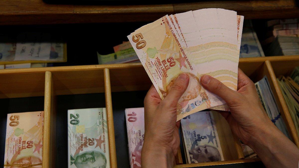Ukrayna'da otomobil satan vergi ödeyecek