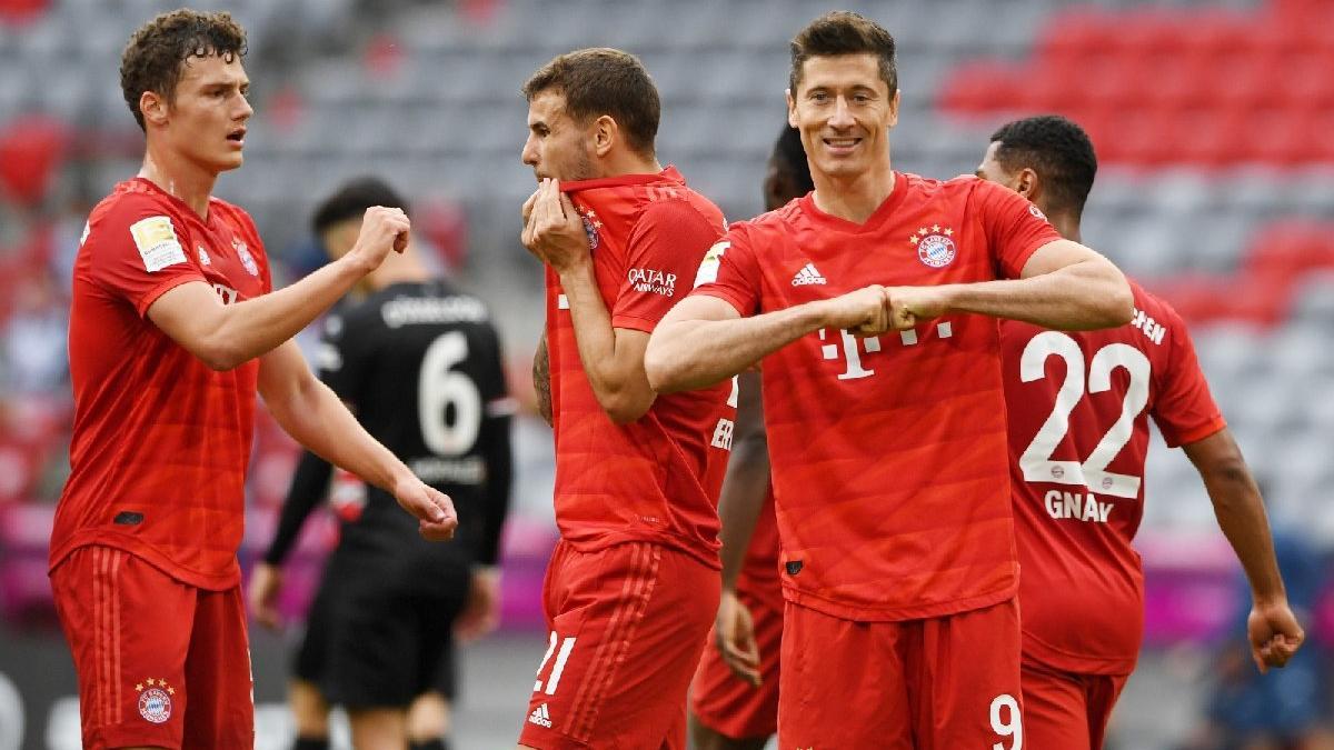 Bayern Münih gol yağdırdı! Rekorlarla şampiyonluğa…