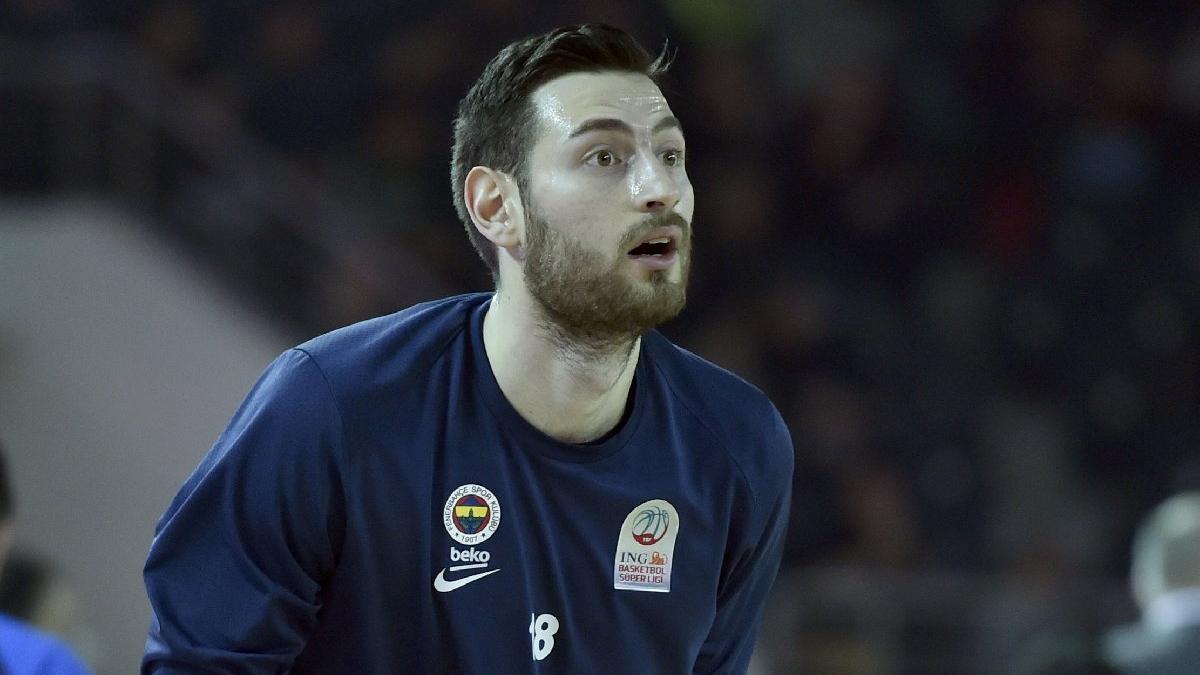 Fenerbahçe'den ayrıldı, Beşiktaş'a imza attı