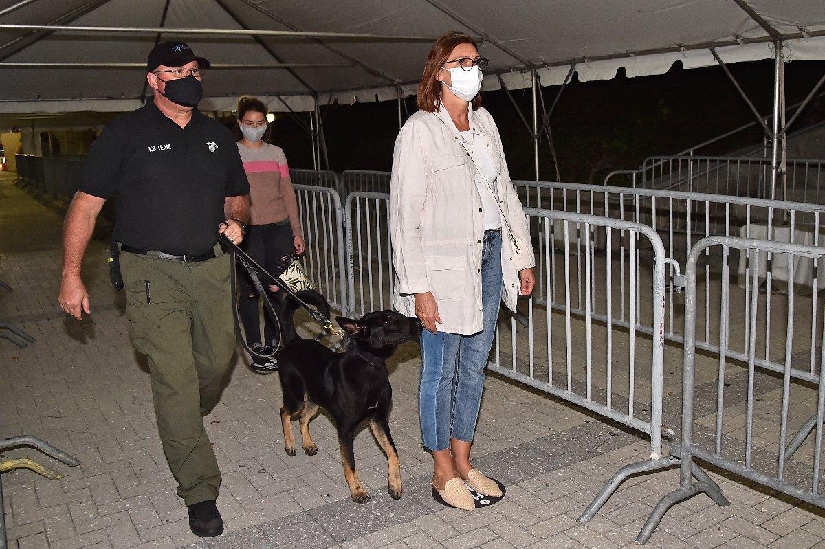 NBA'de aylar sonra bir ilk… Köpekle corona tespiti