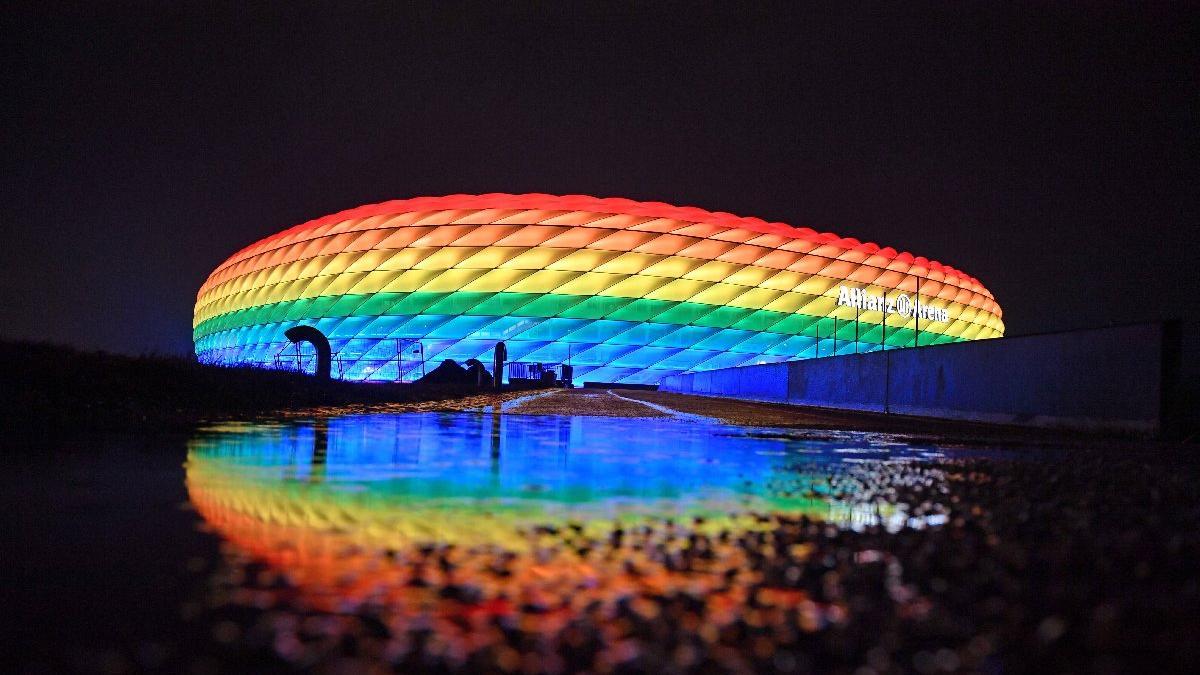 Macaristan LGBTİ haklarını referanduma götürüyor