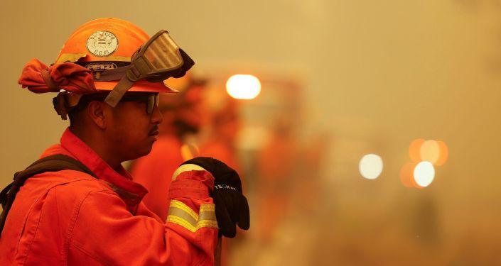Kaliforniya'daki yangında yok olan ormanlık alan 200 bin hektara yaklaştı
