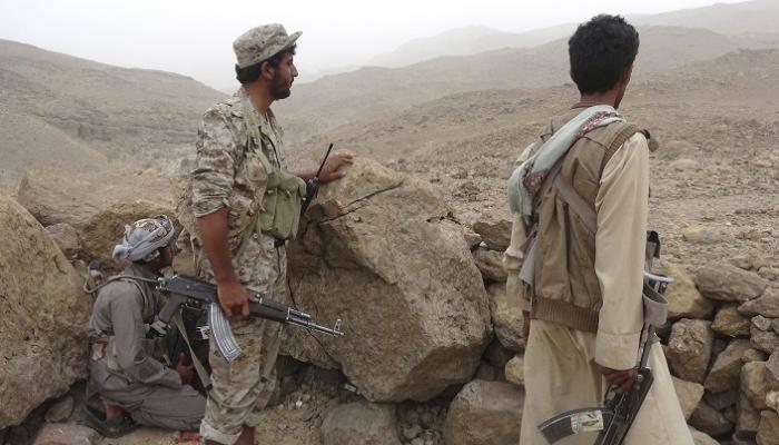 Photo of صحيفة أمريكية: الحوثيين سيطروا على مناطق واسعة وأسروا مئات الجنود السعوديين