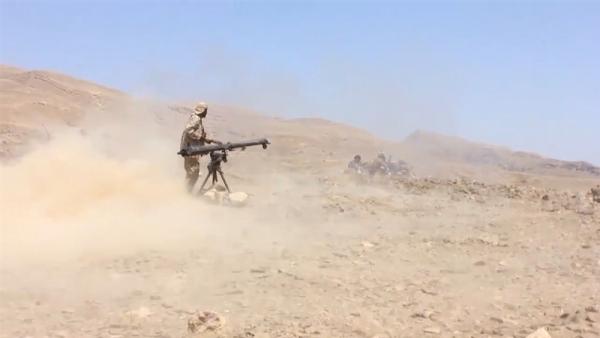 Photo of بعد مقتل العكيمي…القوات الحكومية تدعو المواطنين للابتعاد عن مناطق تمترس الحوثيين…التفاصيل