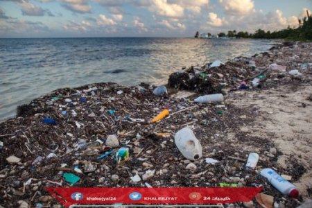 تصميم إنزيم يأكل المواد البلاستيكية