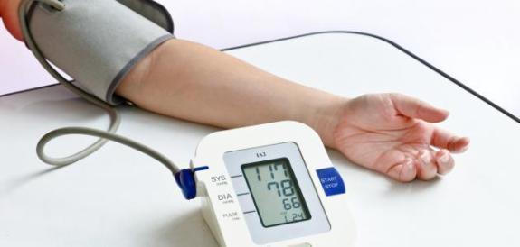 اسباب انخفاض ضغط الدم وما هي اهم الاعراض
