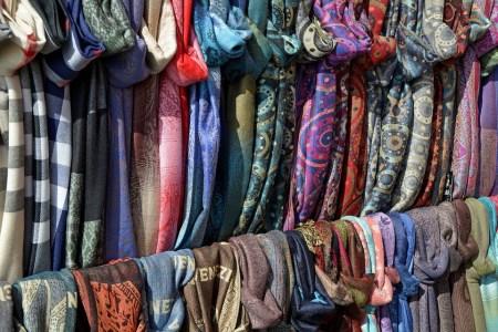 الملابس في المنام الجديدة منها والقديمة
