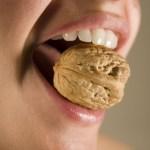 هل يوجد علاج لتثبيت الاسنان المخلخلة ؟ نعم واليك الحل