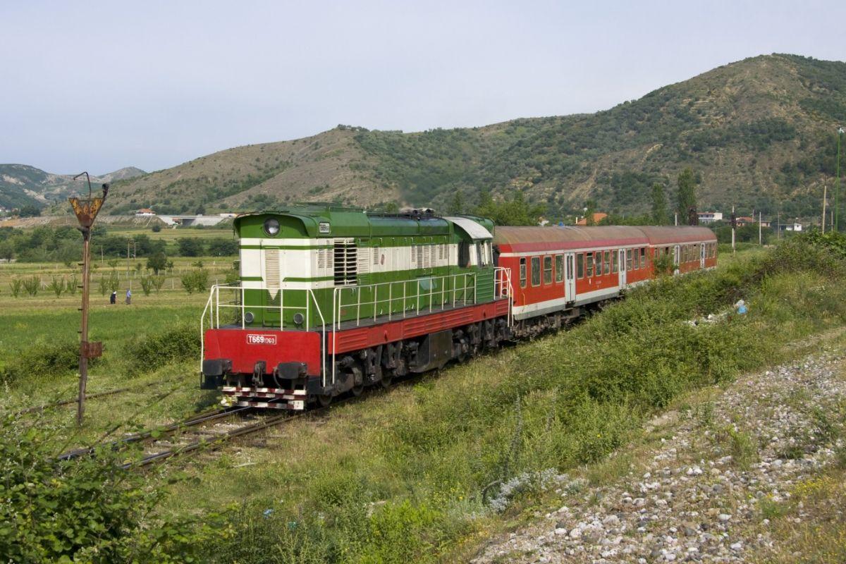 Ferrovia Tirana Durazzo