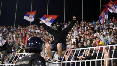 Tifosi serbi durante la partita di Euro 2016 tra Serbia e Albania