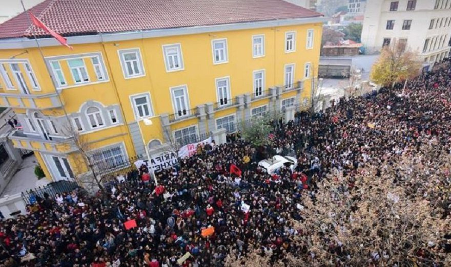Protesta E Studenteve E1544361242411