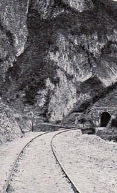 "Jäckh033: ""The tunnel near Kaçanik where the Albanians cut off Turkish troops"" (Photo: Bank Director A. Grohmann, Saloniki, ca. 1910)."