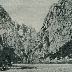 "EL1909.005: ""Bottom of the gorge of the Drin River where the Shala River flows into it"" (Photo: Erich Liebert, 1909)."