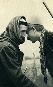 GM022: Northern Albanian men greeting one another (Photo: Giuseppe Massani, 1940).
