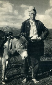 GM071: Young barefoot peasant with a mule near Elbasan (Photo: Giuseppe Massani, 1940).