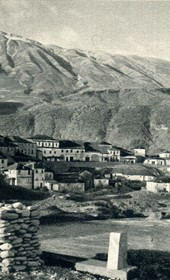GM101: View of Përmet (Photo: Giuseppe Massani, 1940).