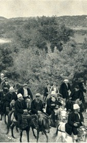 GM117: A wedding procession near Tepelena (Photo: Giuseppe Massani, 1940).