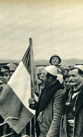 GM130: Demonstration of Italian-Albanian friendship during the occupation (Photo: Giuseppe Massani, 1940).