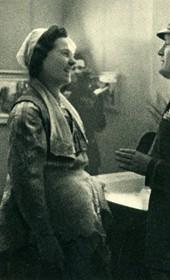 GM155: Albanian woman meeting Benito Mussolini (Photo: Giuseppe Massani, 1940).