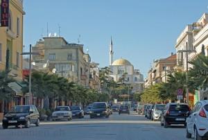 Boulevard mit Hauptmoschee