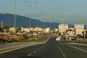 Autobahnende am westlichen Stadtrand