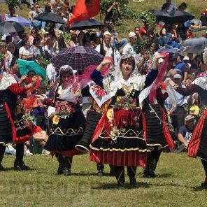 Kandidatinnen beim Tanz
