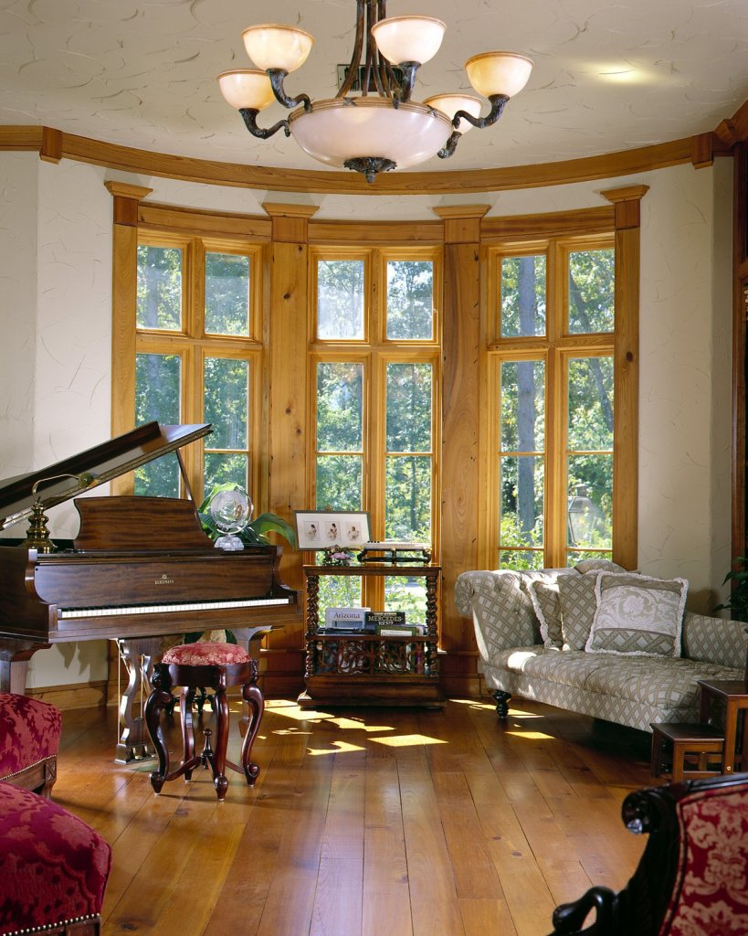 custom-windows-moldings-and-window-casing