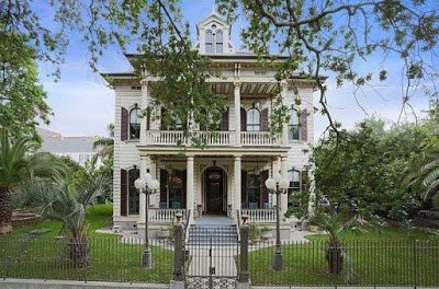 A Look at the Amazing Woodwork in the Brevard House in New Orleans