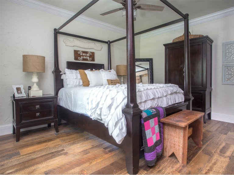 Barnwood Reclaimed Oak Flooring 3