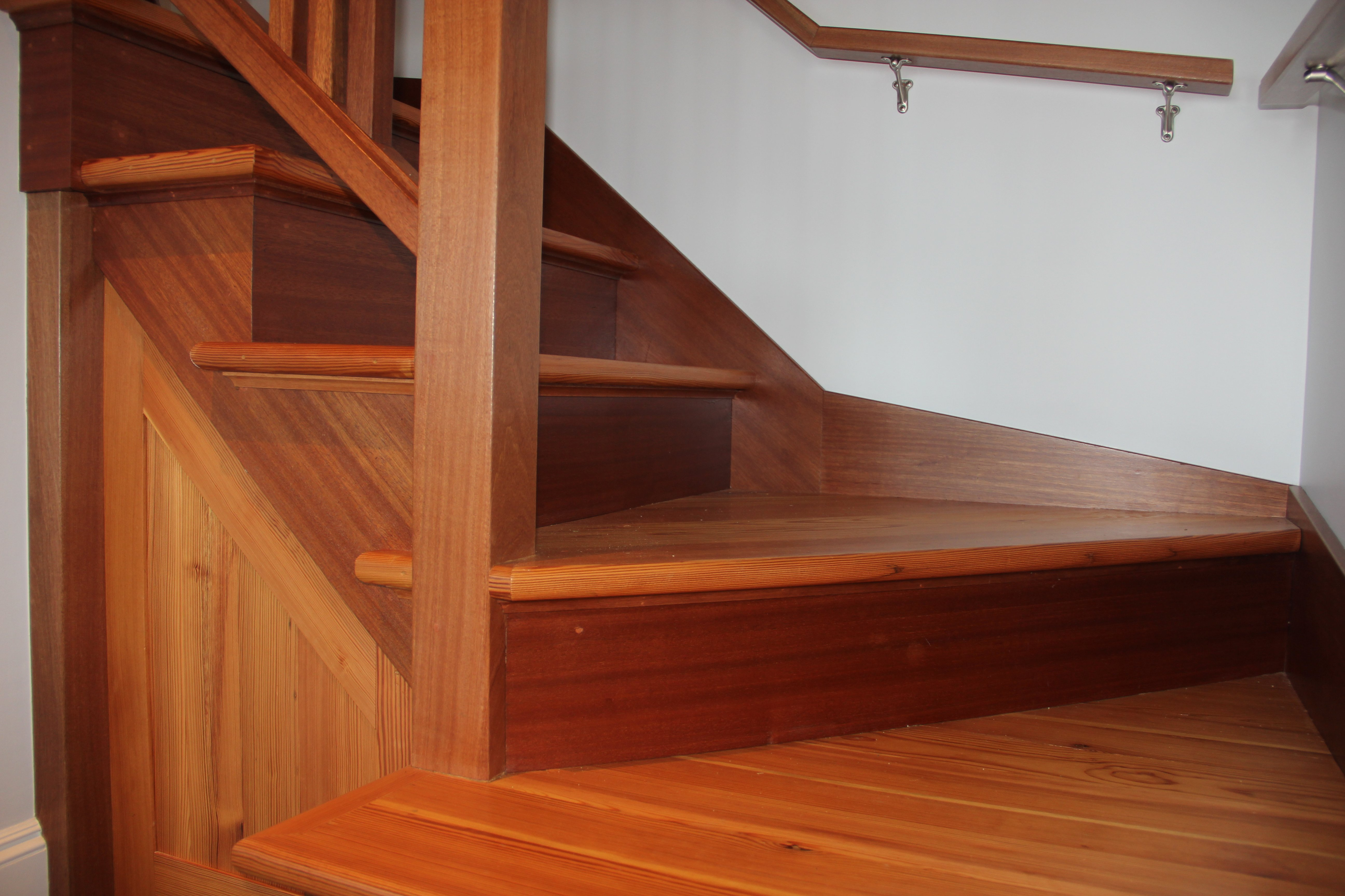 custom heart pine stairs