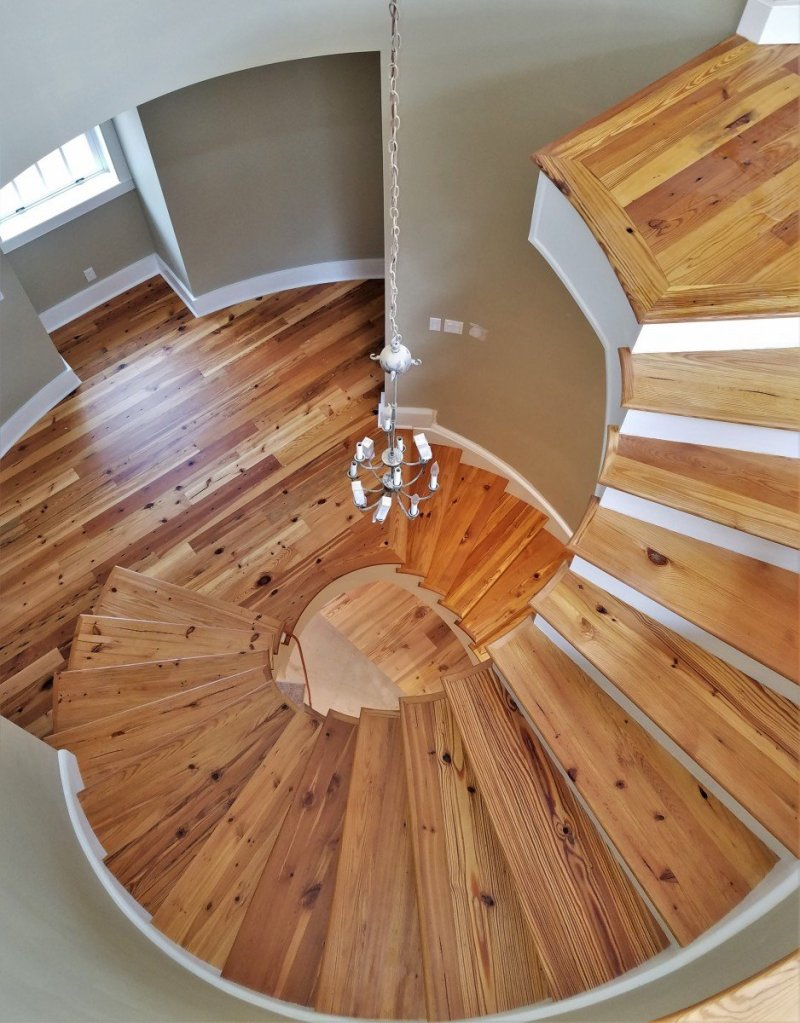 antique-heart-pine-spiral-staircase