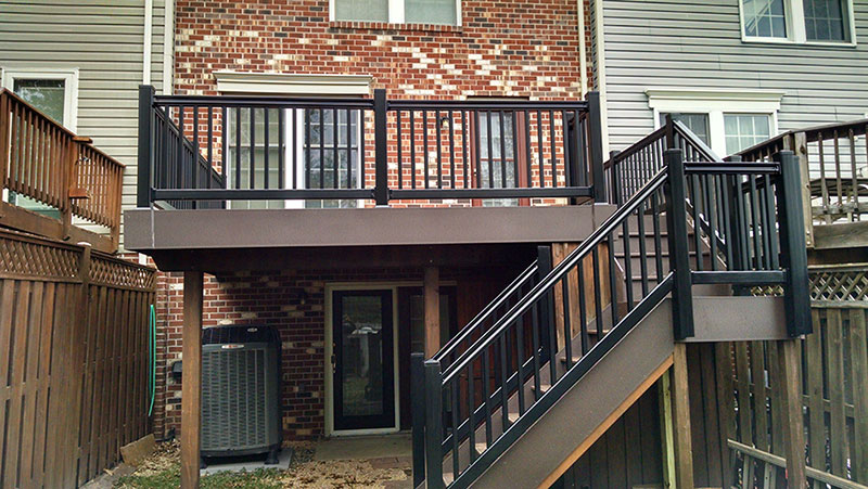 Composite and Vinyl Deck 18