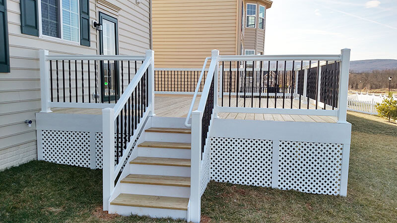 Composite and Vinyl Deck 19