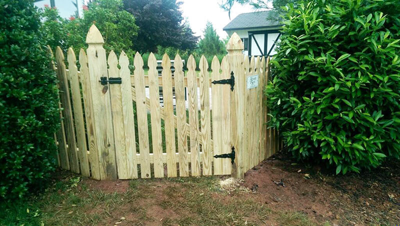 4' Gate Gothic Style Picket Fence