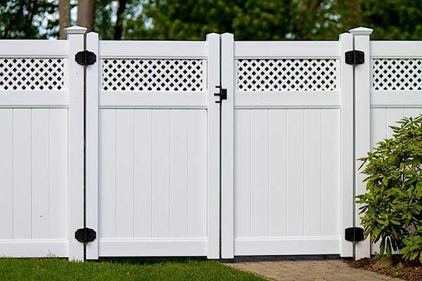Vinyl Double Gate Privacy Fence