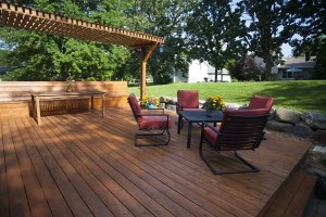 Choosing Decking Material For Your Next Deck Installation