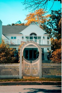 Pros and Cons That Ornamental Iron Fences Have