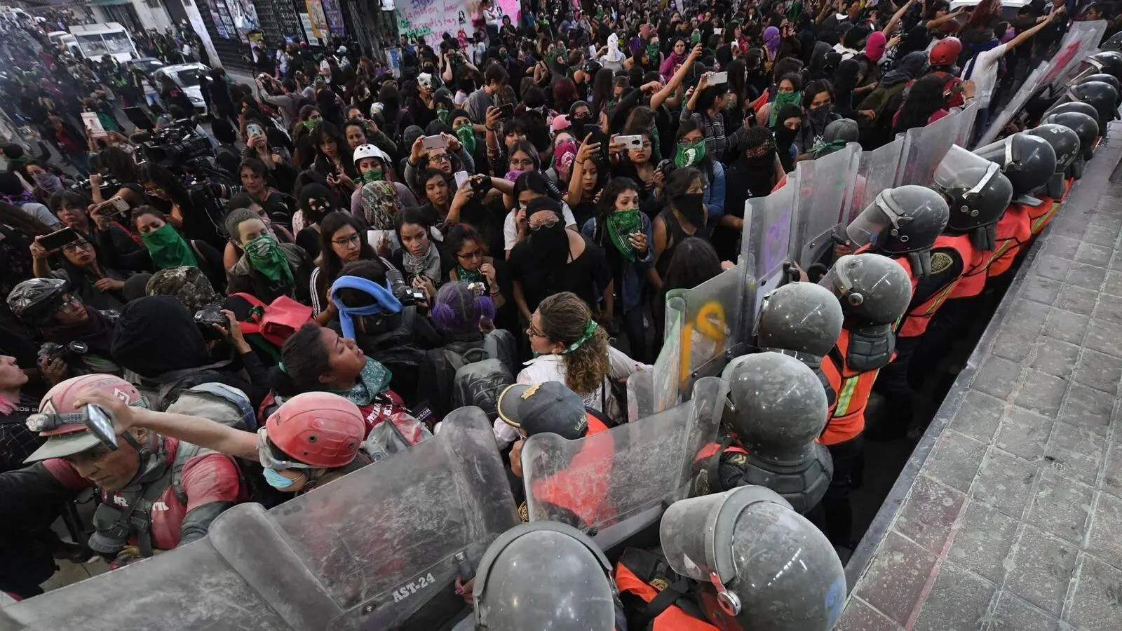 Ingrid Escamilla Murder Hundreds Of Mexican Women Protest